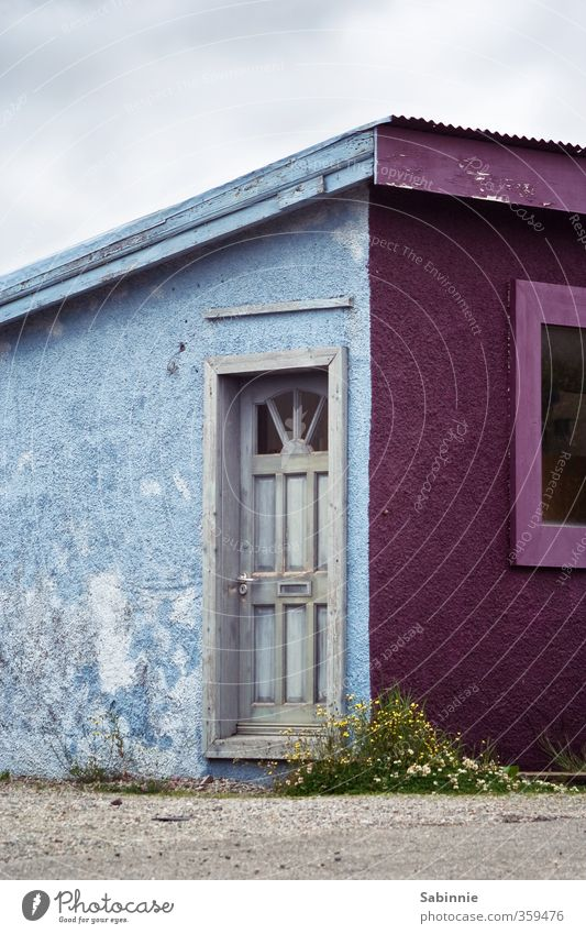 Vacation & Travel Blue House (Residential Structure) Window Wall (building) Architecture Wall (barrier) Building Facade Flat (apartment) Door Tourism