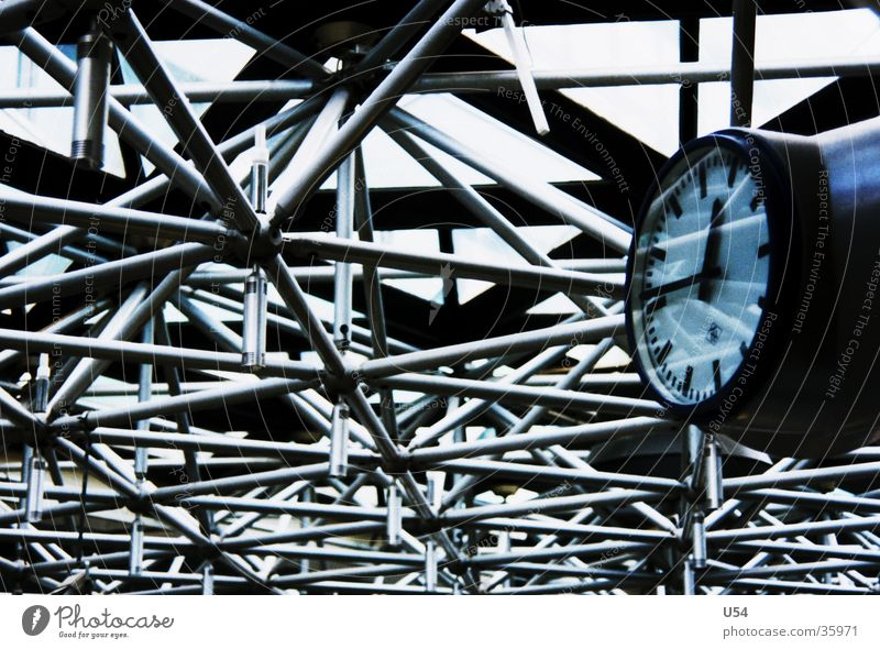 Time Clock Airport Steel Obscure Haste Departure Date Lateness