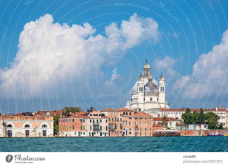 View of historic buildings in Venice, Italy Santa Maria della Salute Church vacation voyage Town Architecture Baroque House (Residential Structure) built
