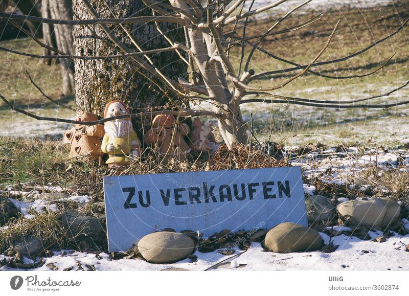 Land For Sale Sign - Sign with the inscription ZU VERKAUFEN on a garden plot. sign sale Property Garden real estate spring leader buyer Seller Text embassy