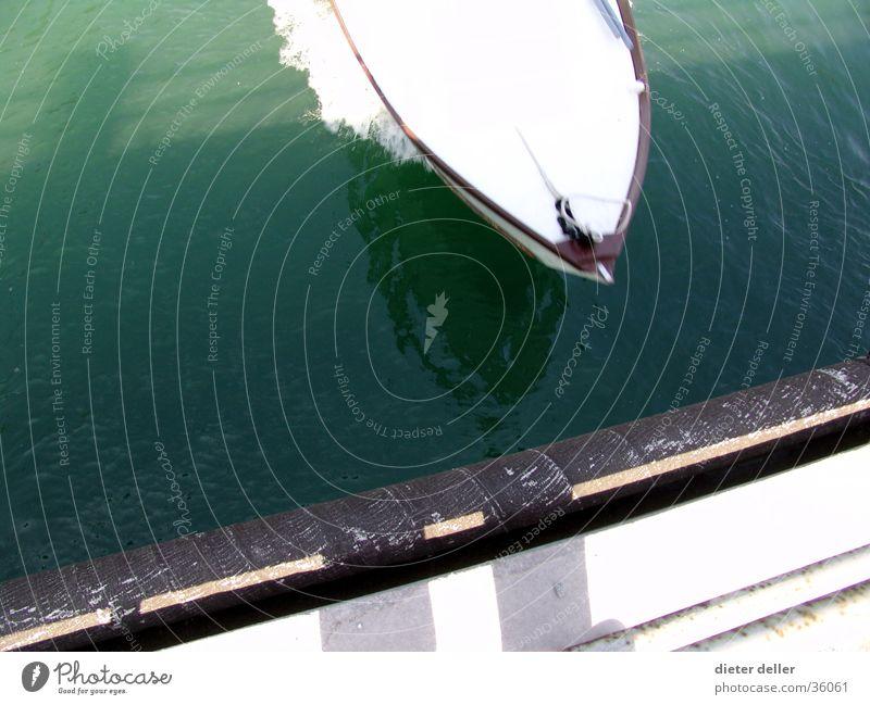 Water Speed Bridge Navigation Bow Motorboat Bird's eye view