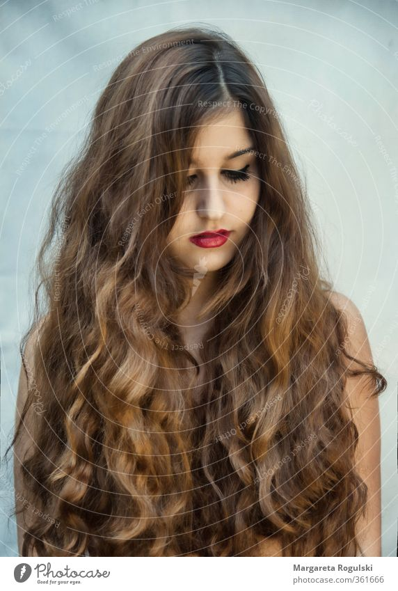 hairy Hair and hairstyles Woman Curl Lips Blue Brown Red Looking