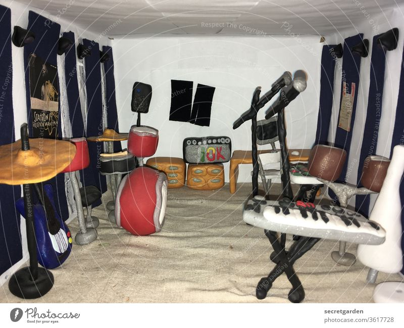 They just want to play. (belatedly on trash day) knead Dough Music Rehearsal room Keyboard Drum set rehearse Band cute Playing boxes Intensifier Sand Room
