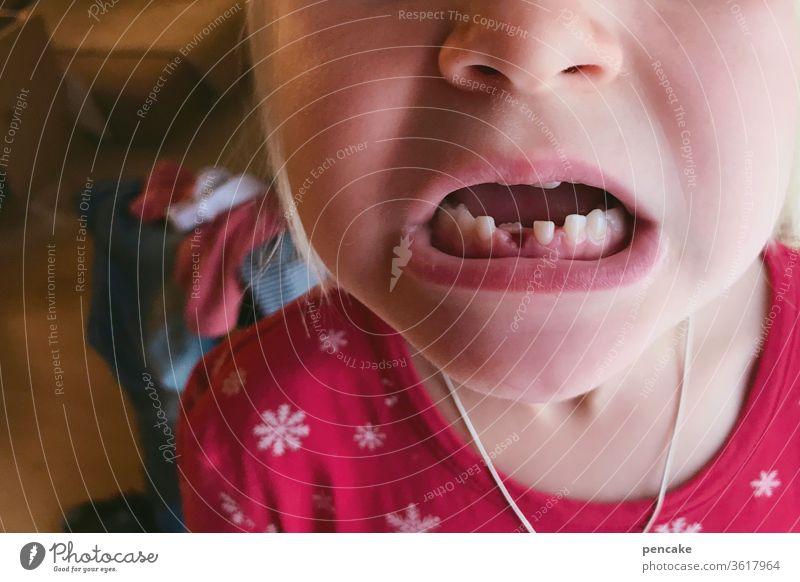 lieblingsmensch | mit biss! Kind Zähne Milchzähne Mund Gebiss beißen Detail Nahaufnahme