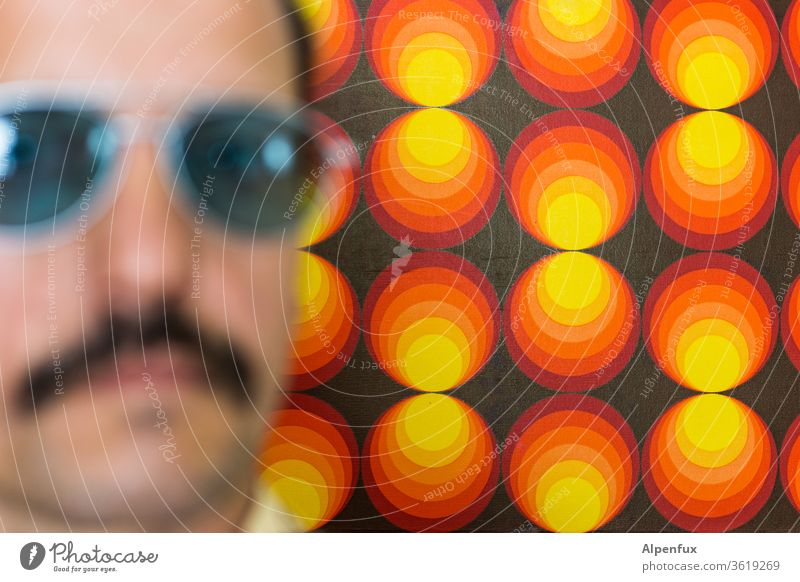 deja vu 70s Retro Seventies Pattern Wallpaper Man Manly Macho Masculine Porn star Colour photo Sunglasses Decoration Moustache porn bars Structures and shapes