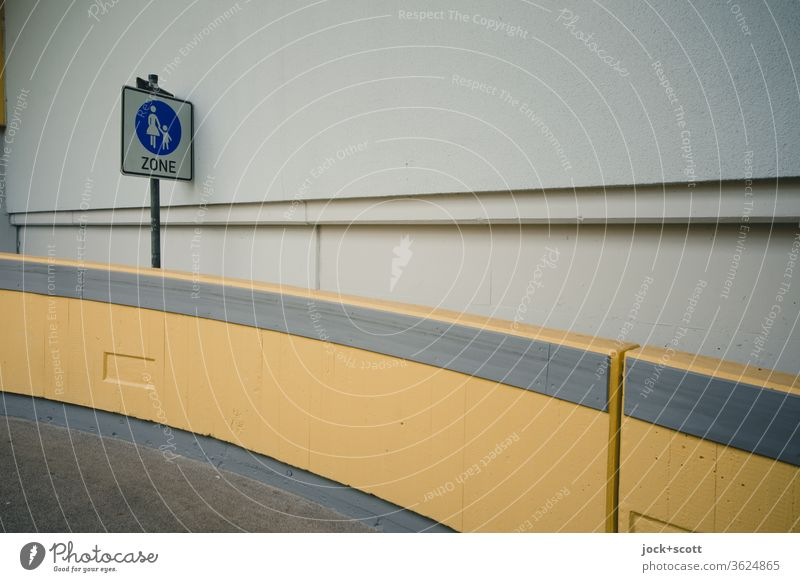 StVO special pedestrian route Road sign Erlangen Ramp Concrete Modern Gloomy Brown Architecture Arrangement Concrete wall Lanes & trails Diagonal Level