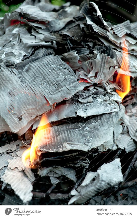 Burning paper file destruction destruction of allies ash Blaze fire loss cremated Fire Flame Embers Hot Paper paperboard Burnt Destruction Data protection kiln