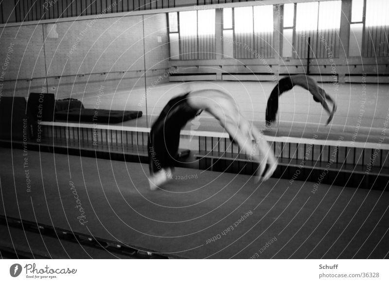 Gymnastics Sports Movement Acrobatics Mirror Warehouse Salto Somersault Back handspring