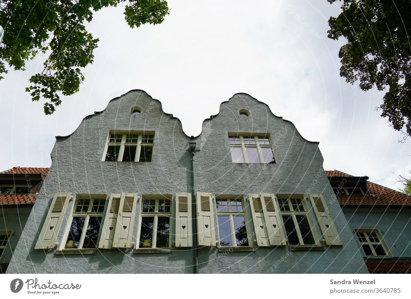 Old villas in Duisburg houses Facades Villas shutters House building Architecture Cozy high ceilings House (Residential Structure) old house