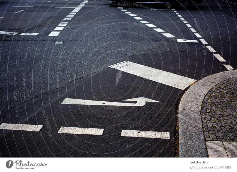 junction with road markings Turn off Asphalt Highway Corner Lane markings Bicycle Cycle path Clue edge Curve Line Left navi Navigation Orientation Arrow Wheel