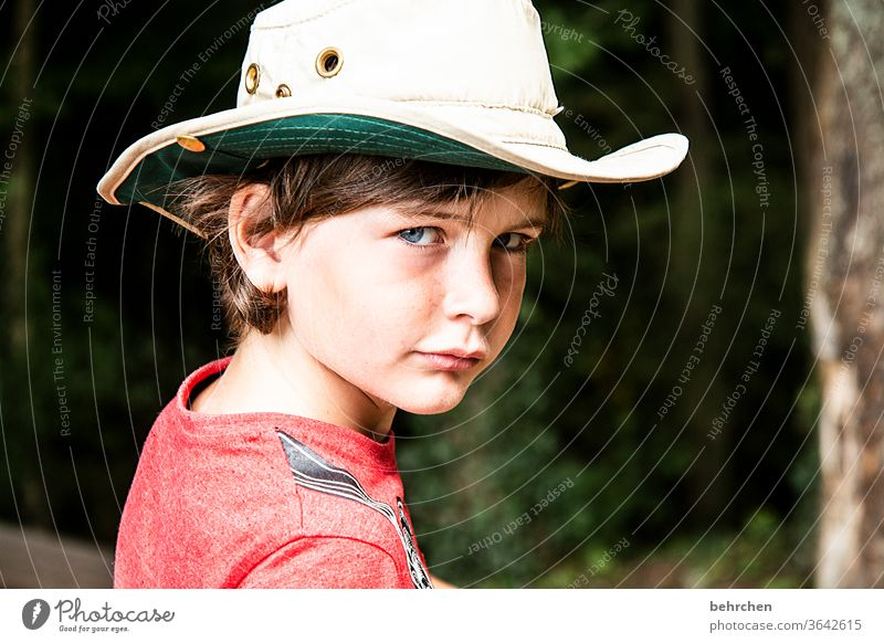 YEE-HAW Earnest Head Sunlight Intensive portrait Contrast Light Day Face Eyes Infancy Nose Mouth Lips Family & Relations Boy (child) Child Close-up observantly