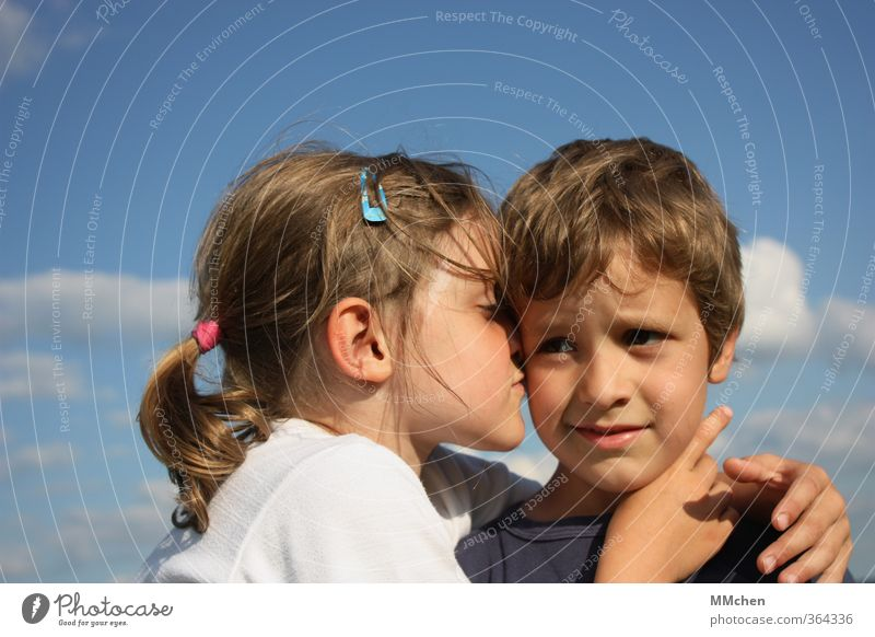 it`s the heart that really matters in the end Girl Boy (child) 2 Human being 3 - 8 years Child Infancy Touch Kissing Smiling Love Embrace Brothers and sisters