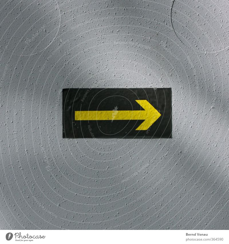 Green Yellow Gray Signs and labeling Signage Circle Arrow Clue Label Road marking Orientation Rough Right Rectangle Dull