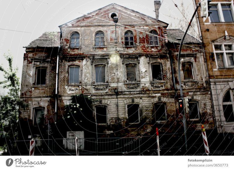 dilapidated old building facade refurbishment of an old building Old building Historic Facade Old town Derelict derelict house Vacancy Architecture Ruin