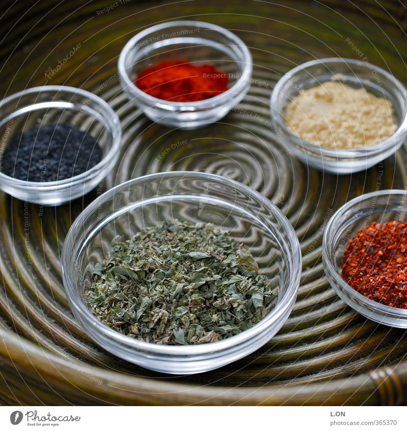 Herbs and spices Pepper Tray Curry powder Peppercorn