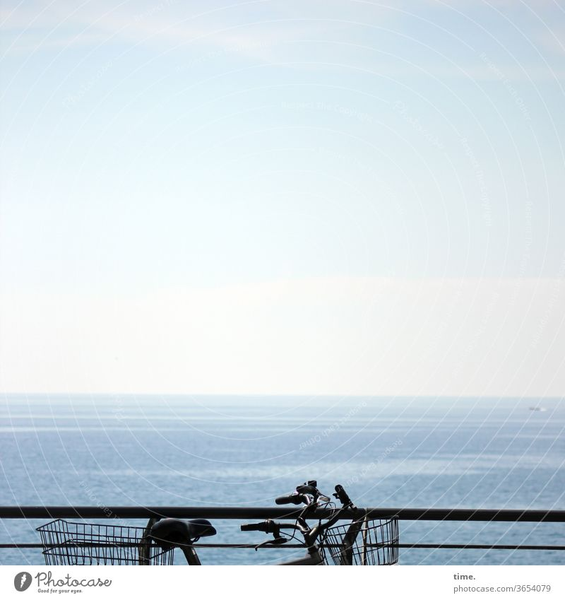 Wheel Council Bicycle wide Sky Horizon Far-off places Blue Parking turned off two bicycle basket Handrail Ocean Water vacation travel Trip ecologic Environment