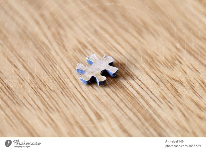 Blank puzzle pieces on wooden background texture, business and connection concept. space for text. idea jigsaw game empty blank part teamwork solution challenge