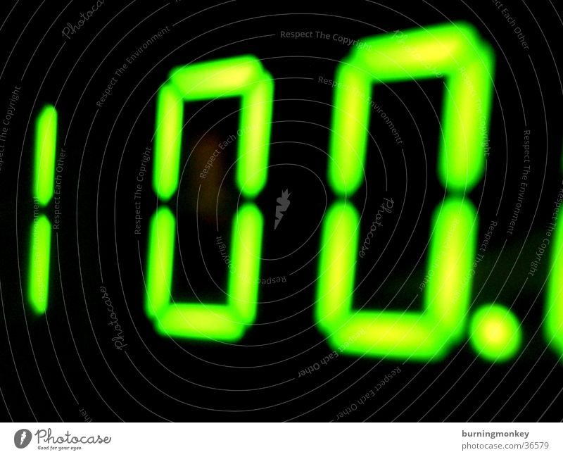 100. Digits and numbers Green Electrical equipment Technology LED Digital photography Display