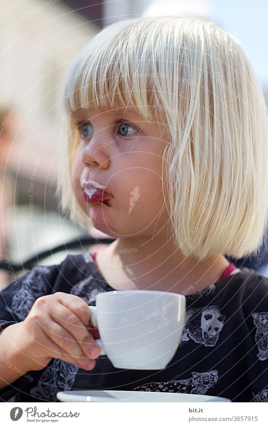 printed product l milk froth... Child Infancy girl Dream Drinking To enjoy enjoying enjoyment Coffee To have a coffee Coffee break Coffee cup Espresso