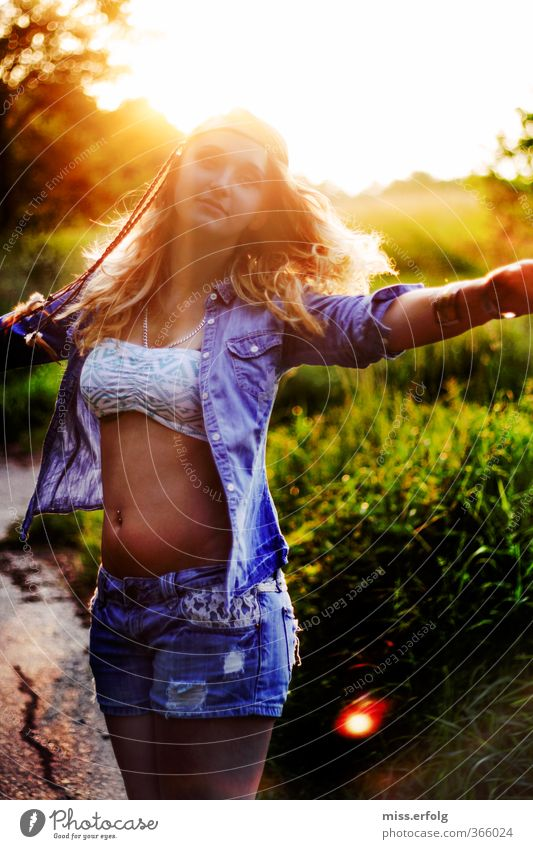 Dance yourself free! Lifestyle Elegant Style Feminine Young woman Youth (Young adults) Woman Adults 1 Human being 13 - 18 years Child 18 - 30 years Environment