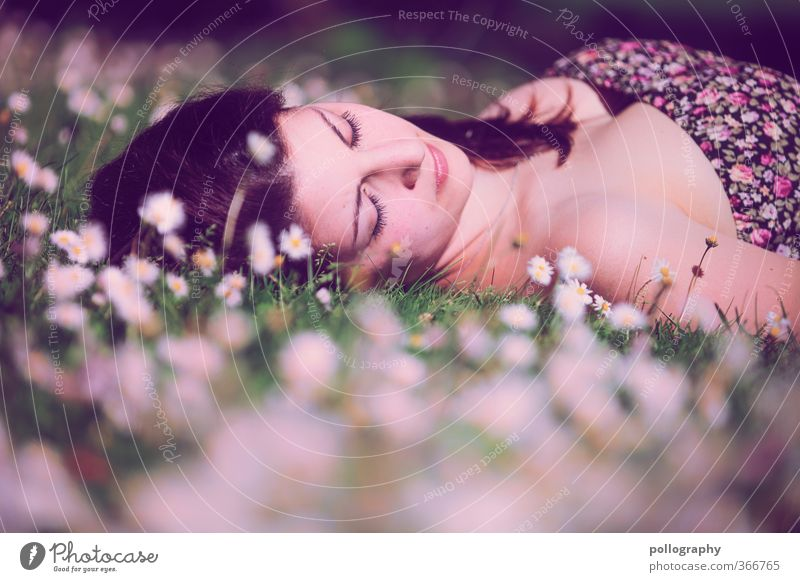 time for dream III Human being Feminine Young woman Youth (Young adults) Woman Adults Life Body Head 1 18 - 30 years Nature Plant Earth Spring Summer
