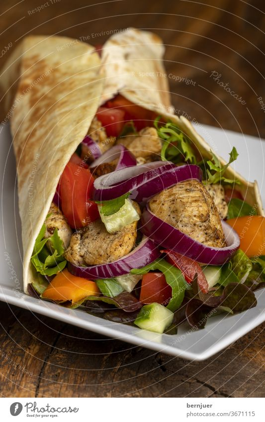 thin on wood dürüm Lettuce Onion Eating Kebab Roll Turkish Meal Dinner Tomato Snack Fast food salubriously burrito almost sandwich cake adana dune green Greek