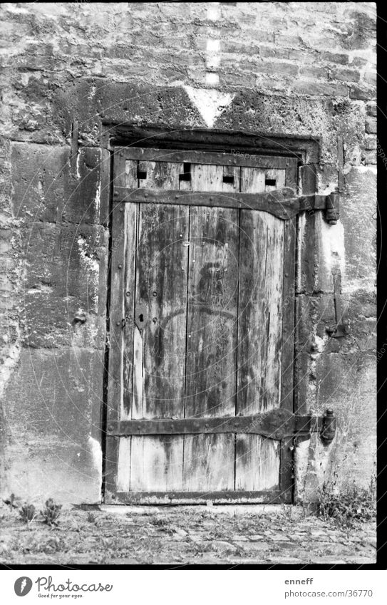 old door Door Line Analog Rustic Ancient Junk Ulm Home country Old Arrow Putrefy Black & white photo Closed Vintage Architecture