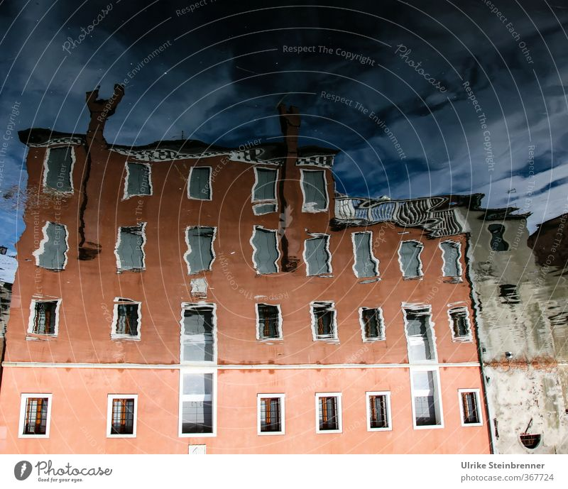 Sky Old City House (Residential Structure) Window Autumn Architecture Building Facade Living or residing Wet Transience River Italy Village Manmade structures