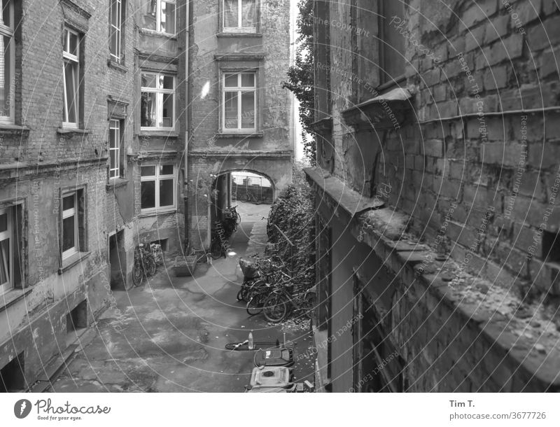 Backyard Berlin Courtyard Black & white photo Prenzlauer Berg doorway Deserted Day Town Downtown Capital city Old town Exterior shot