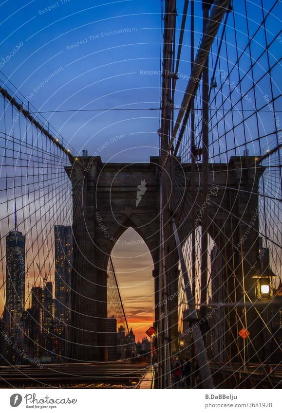 Missed the Manhattanhenge by a few days, but also so the sunset was an experience on the Brooklyn Bridge. New York travel USA vacation Panorama (View) Twilight