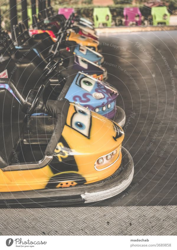 bumper cars hustle and bustle Fairs & Carnivals Leisure and hobbies fun driving Deserted Colour photo Showman Theme-park rides Feasts & Celebrations