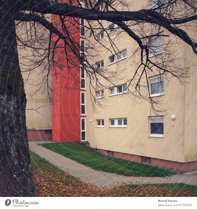ZONE settlement dwell House (Residential Structure) Multistory Apartment house monotonous Lanes & trails Town Prefab construction Window Paving stone tree Red