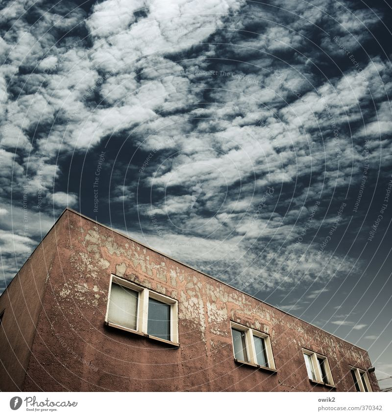 service cube House (Residential Structure) Sky Clouds Weather Manmade structures Building Architecture Wall (barrier) Wall (building) Facade Window Old