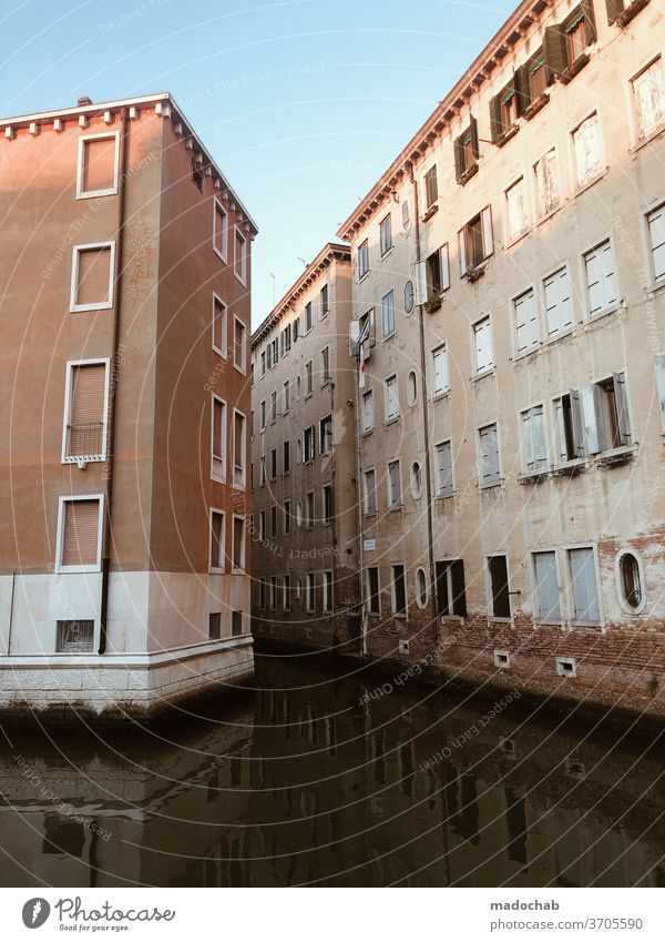 high water House (Residential Structure) Facade Town urban real estate Overwhelmed Flood Water Channel Italy Venice Insurance Tourism Europe Architecture