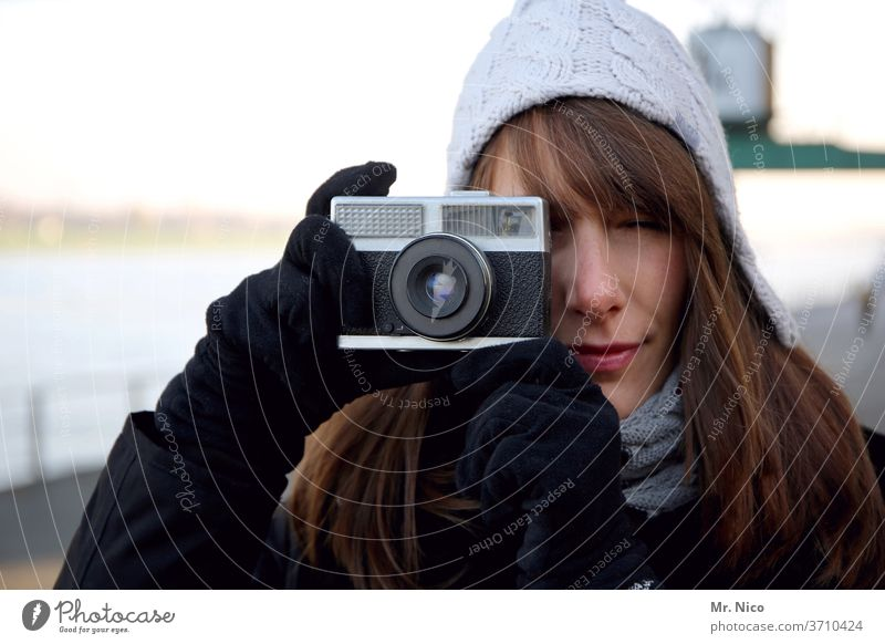 In focus Photographer Take a photo Camera Analog Leisure and hobbies take a picture Self portrait xerox Creativity Photography Looking into the camera