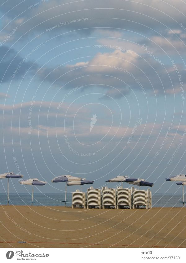 Sky Ocean Beach Vacation & Travel Clouds Dark Sunshade Deckchair Bad weather Bulgaria Black Sea