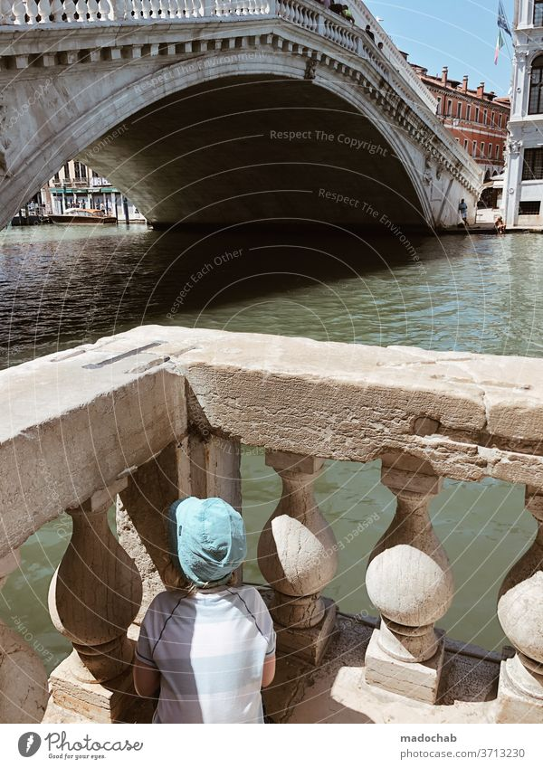 Watching Rialto Child Toddler Corner Rialto Bridge Venice Italy Sightseeing City trip Vacation & Travel Exterior shot Tourism Tourist Attraction Trip Old town