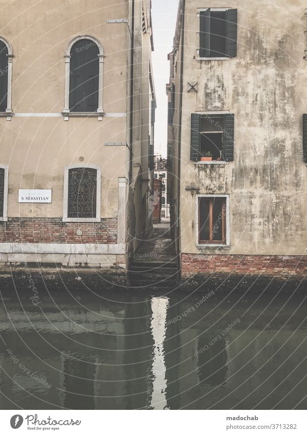 Venice Flood Water Channel Alley Deserted Italy Port City House (Residential Structure) Town Exterior shot Tourist Attraction Old town City trip