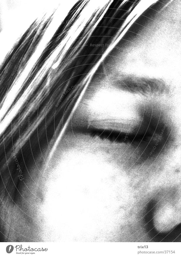 Woman Human being White Face Black Eyes Loneliness Hair and hairstyles Head Sadness Think Nose Closed Grief