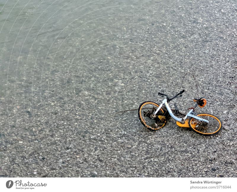 Bicycle in the river, broken bicycle, rental bicycle in the river Cycling bike sharing obike River Gravel bed Leisure and hobbies Water Isar yellow bike