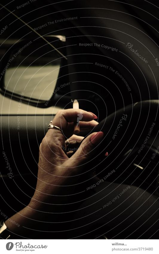 Driv.laxity Smoking Motoring Hand Cigarette Driver Steering wheel car Car Concentrate distraction painted fingernails Vehicle Driving Transport Woman negligent