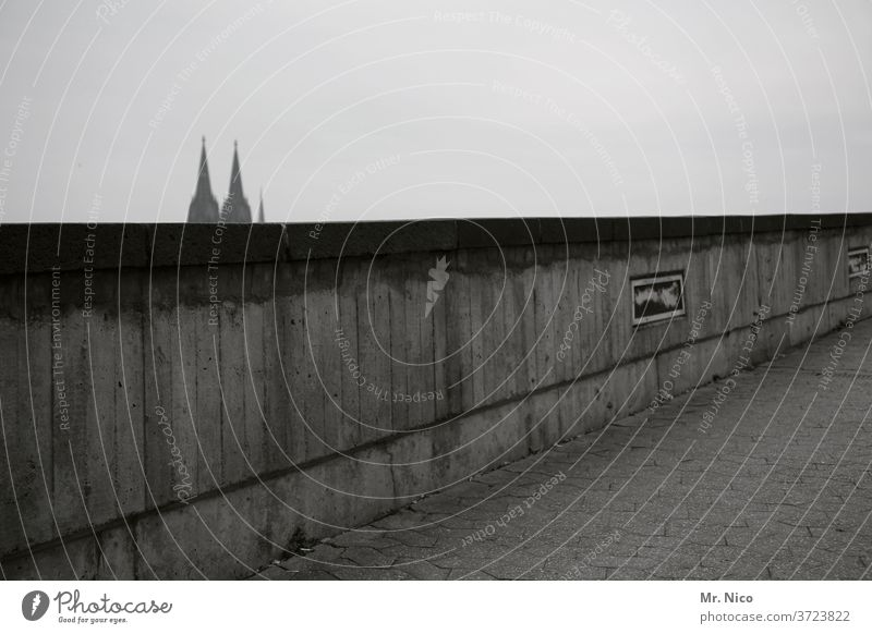 Cologne Wall Cologne Cathedral Wall (barrier) Dome Tourist Attraction Landmark Sky cathedral points Gray Town Religion and faith Belief Wall (building) Tourism