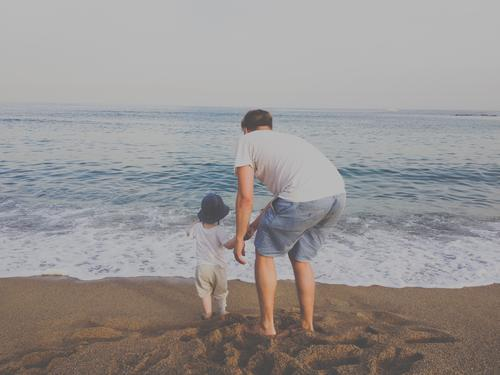 2.200 unfavourable attitude Human being person Father Son Family Ocean Beach in common at the same time Vantage point Family & Relations Together Child Parents
