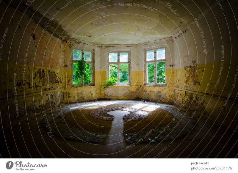 bay window, more light in the lost space Architecture Room Window Flare Warmth Apocalyptic sentiment Transience lost places Spatial impression Sanitarium