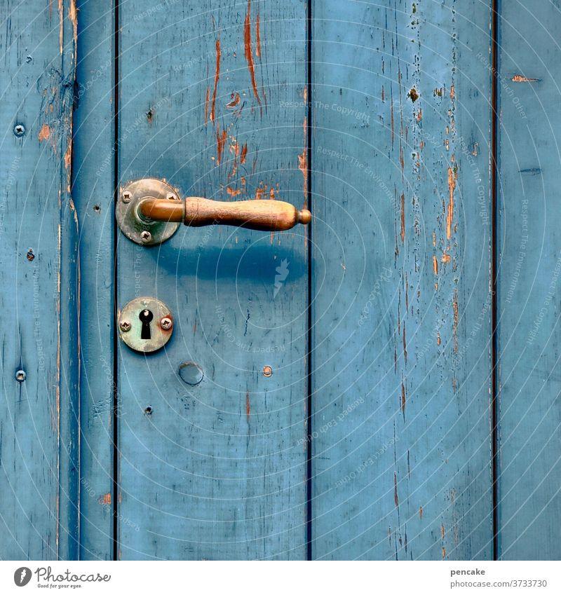 griffig Tür blau Holz alt Türgriff angenehm Eingang Griff
