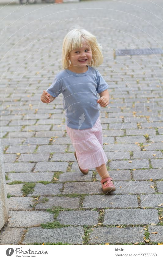catch me... Child girl Small Toddler Human being Joy Cute Infancy 1 Playing Action luck fun Comical muck about game Playful Cobblestones Running Walking