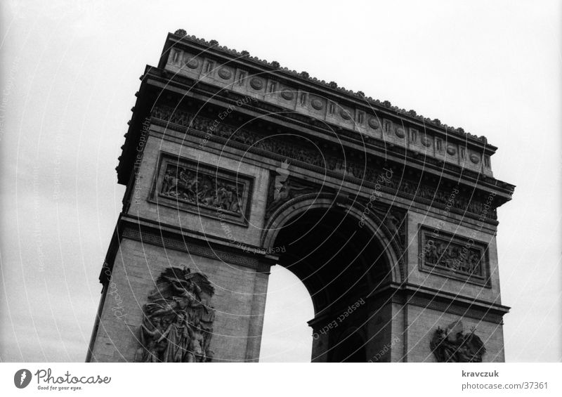 Sky Gray Architecture Crazy Paris Past Arch Bad weather Arc de Triomphe