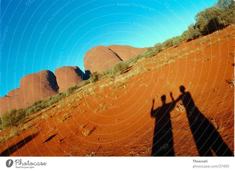 Fun by the Olgas Australia Physics Adventure Shadow fun Warmth Sand Graffiti