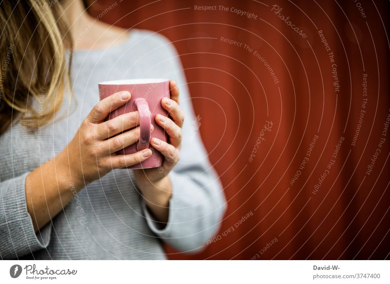 Neurodermatitis hands holding coffee neurodermatitis Coffee Coffee break Woman Mug To hold on Illness tranquillity Coffee cup To enjoy Cup Tea