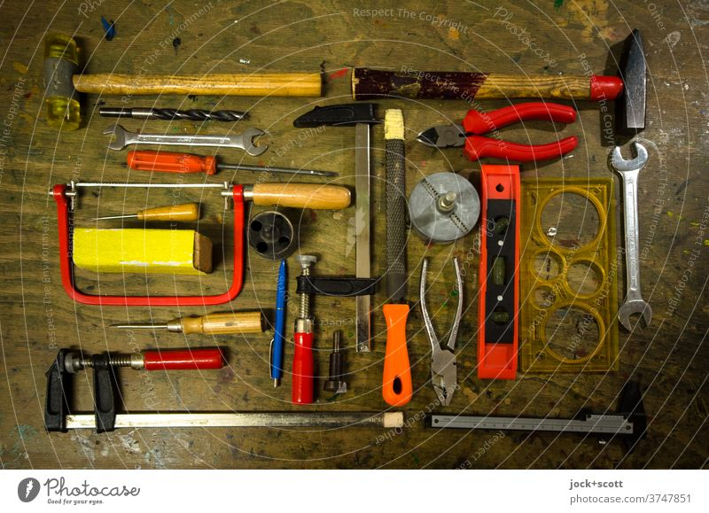Tools for tinkering and working Craft (trade) plan workbench Hammer say Clamp Pair of pliers Screwdriver file Screw wrench Selection Spirit level Orderliness